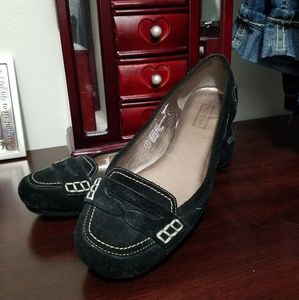 Merona black suede flats with stitching sz 7